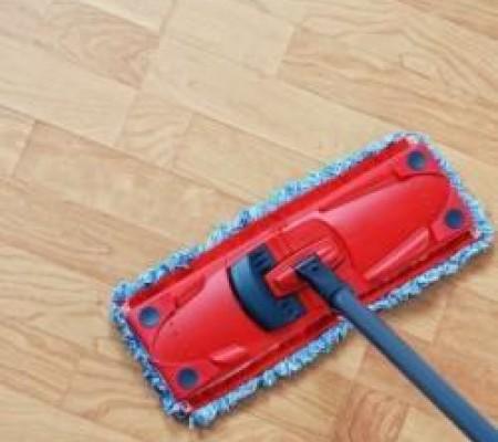 Чем вымыть пол с покрытием ламинат